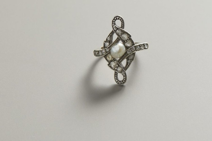 Ring in yellow gold and silver with diamonds...