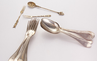 Silver cutlery in the early 1800s 844 g Bestick i silver tidigt 1800-tal 844 g