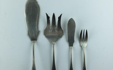Silver-plated metal fish cutlery set