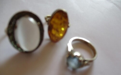 This lot has been withdrawn A silver gilt and amber stone d...