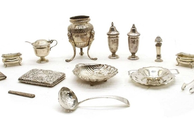 A small mixed lot of silver pieces
