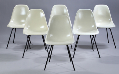 Charles Eames. A set of six shell chairs, model DSX. Cream-coloured fibreglass (6)