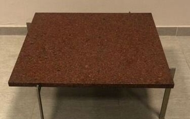 Coffee table with metal structure and reddish marble top