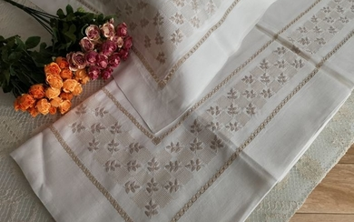 Double bed sheet in pure 100% linen with hand stitch embroidery - Linen - AFTER 2000