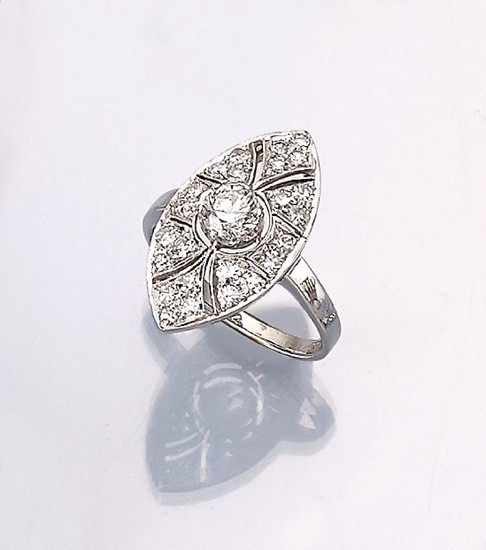 18 kt gold ring with diamonds, WG...