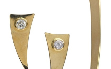 A DIAMOND BROOCH AND EARRING SUITE BY CHRISTIAN GORTZ