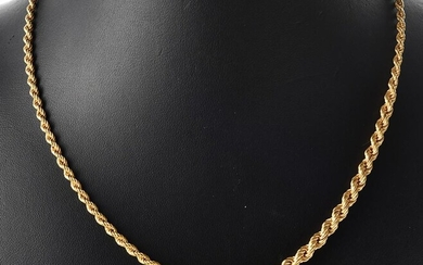 A GRADUATED ROPE TWIST CHAIN IN 14CT GOLD, TOTAL LENGTH 46.5CM, 17.7GMS