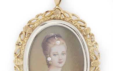 A HAND PAINTED MINIATURE PENDANT/BROOCH IN 18CT GOLD, DEPICTING A GEMSET LADY'S PORTRAIT, TOTAL LENGTH 40MM, 6GMS