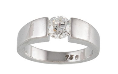 A SOLITAIRE DIAMOND RING, of approx. 0.95ct I VS, mounted in...