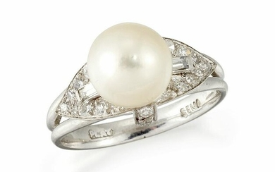 AN ART DECO CULTURED PEARL AND DIAMOND RING, a cultured