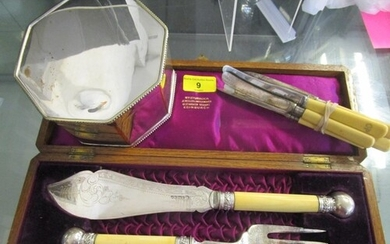 An oak cased set of Victorian fish servers with ivory handle...