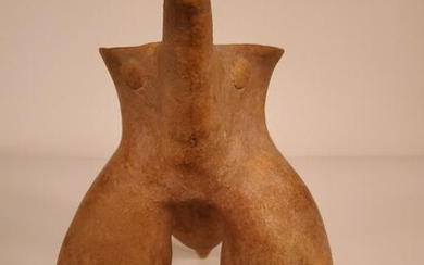 Chinese Neolithic pottery gui with tripod legs