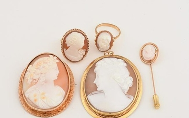 Shell Cameo, Yellow Gold Jewelry Suite.