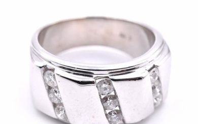 14k White Gold Gents Diamond Ring