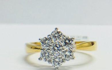 18ct yellow/white Diamond cluster Ring, G/H colour, SI2...