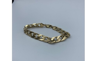9ct yellow gold chunky curb bracelet, weight 32.37g and 20cm...