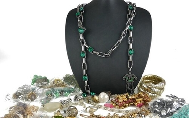 A COLLECTION OF VINTAGE COSTUME JEWELLERY Comprising a gilt ...