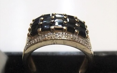 Gents 9ct yellow gold, sapphire 3 row ring Approx 4.9 gram...