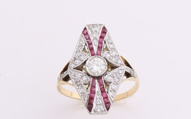 Gold ring 750/000, Art Deco ruby ??and diamond. Yellow