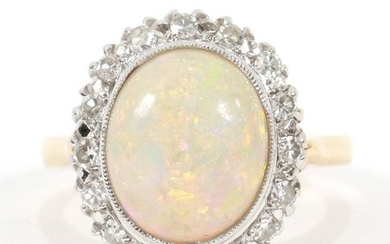 OPAL OVAL 14KT YELLOW GOLD RING, DIAMOND SURROUD