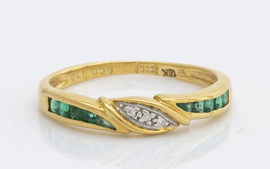 RING 18K gold w emeralds and brilliant-cut diamonds, size 53