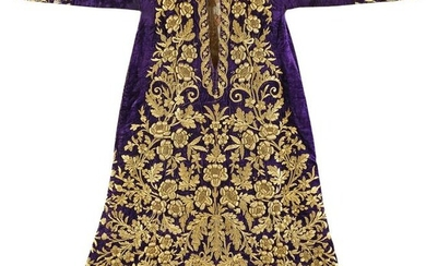 A FINE OTTOMAN SILVER-GILT THREAD EMBROIDERED KAFTAN