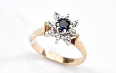 A SAPPHIRE AND DIAMOND CLUSTER RING IN 9CT GOLD,SIZE M, 3GMS