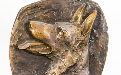 Anonymous sculptor around 1970, head of a German shepherd, patinated bronze, unsigned, wall hanging, 34 x 6 x 4 cm