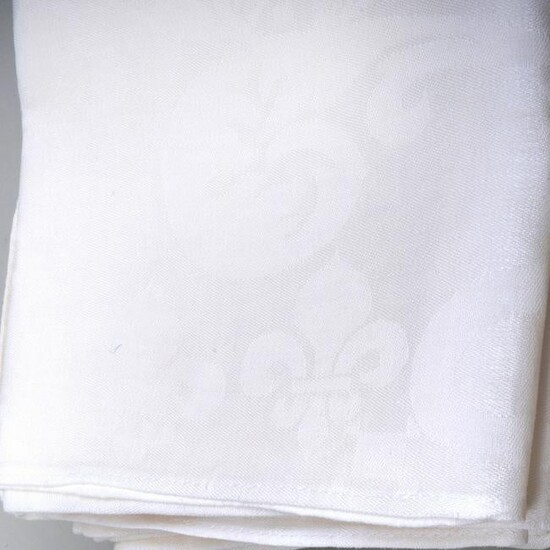 Damask Round Tablecloth and Napkins