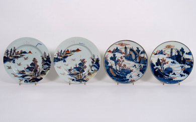 Lot (4) eighteenth century Chinese porcelain with Imari-decor: two pairs of plates with landscape decor - diameters: 21.2 and 23.5 cm ||two pairs of 18th Cent. Chinese pairs of plates in porcelain with an Imari decor