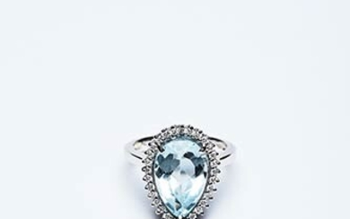 RING WITH AQUAMARINE Ring made in Italy in the 1980s...