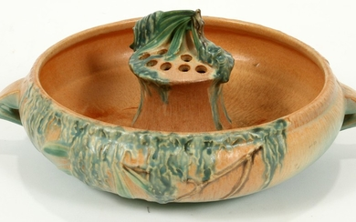 ROSEVILLE POTTERY BOWL WITH FLOWER FROG MOSS PATTERN PCS. 12