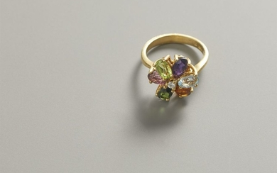 Ring in yellow gold with tourmaline and diamond...