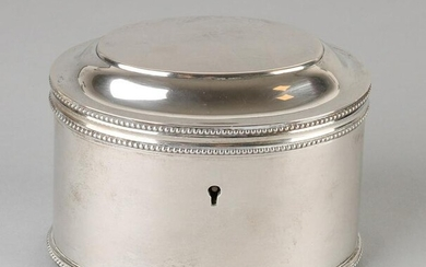 Silver tea chest, 833/000, oval model with pearl edge.