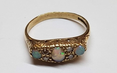 Vintage Gold Ring with 3 x Opal Stones and Diamonds Gold 9ct...
