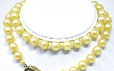 Vintage Hand Knotted Pearls w Micro Mosaic Clasp