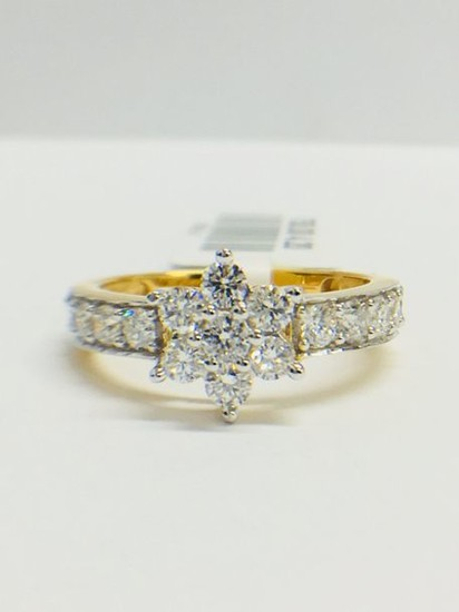 18ct Yellow gold Diamond Cluster ring, G/H colour...