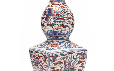 A Chinese Wucai Porcelain Vase with Dragon and Phoenix