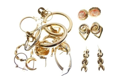 Assorted gold and yellow metal jewellery, 34.3g gross approx...