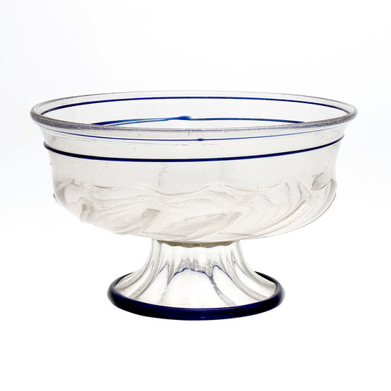 Large Venetian fruit bowl in Murano glass, second half of the 16th Century.
