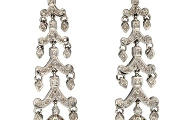 Pair of pagoda earrings in white gold 750°/°°°sertis diamonds holding a pear pearl in pendants, L. 5,5cm, Gross weight: 16,46g