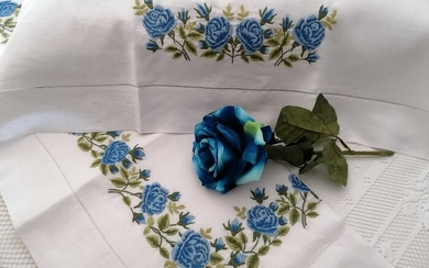 Pure linen sheet with Rose embroidery in full stitch by hand - Linen