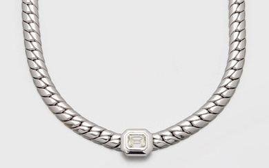 Representative panzer necklace with large diamond solitaire white gold