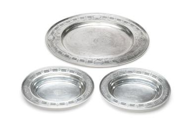 THREE AMERICAN SILVER OVAL SERVING DISHES, 2000g
