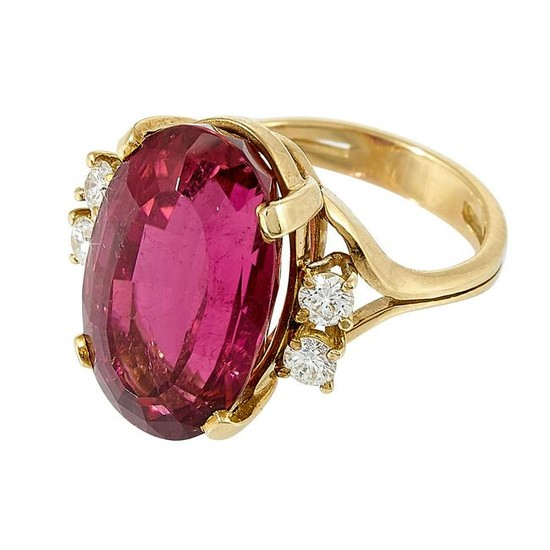 Vintage yellow gold, tourmaline and diamond ring