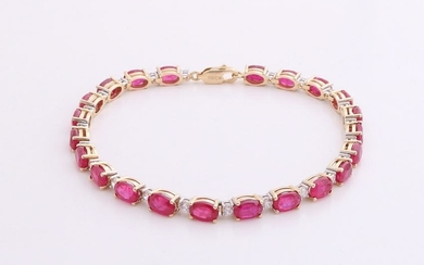 Yellow gold bracelet, 585/000, with ruby ??and