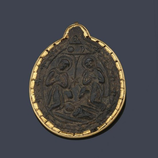 17th century medallion with 18K yellow gold frame, and