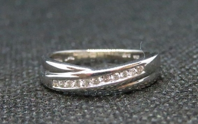 18ct white gold and diamond crossover ring