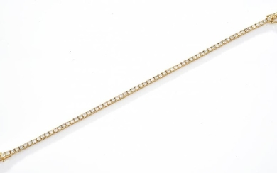 A DIAMOND LINE BRACELET, DIAMONDS TOTALLING 3.60CTS IN 18CT GOLD