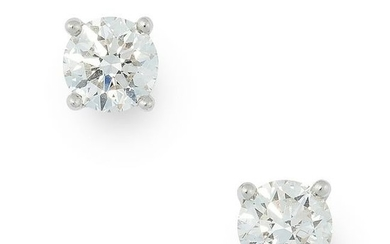 A PAIR OF 1.34 CARAT DIAMOND STUD EARRINGS, TIFFANY &
